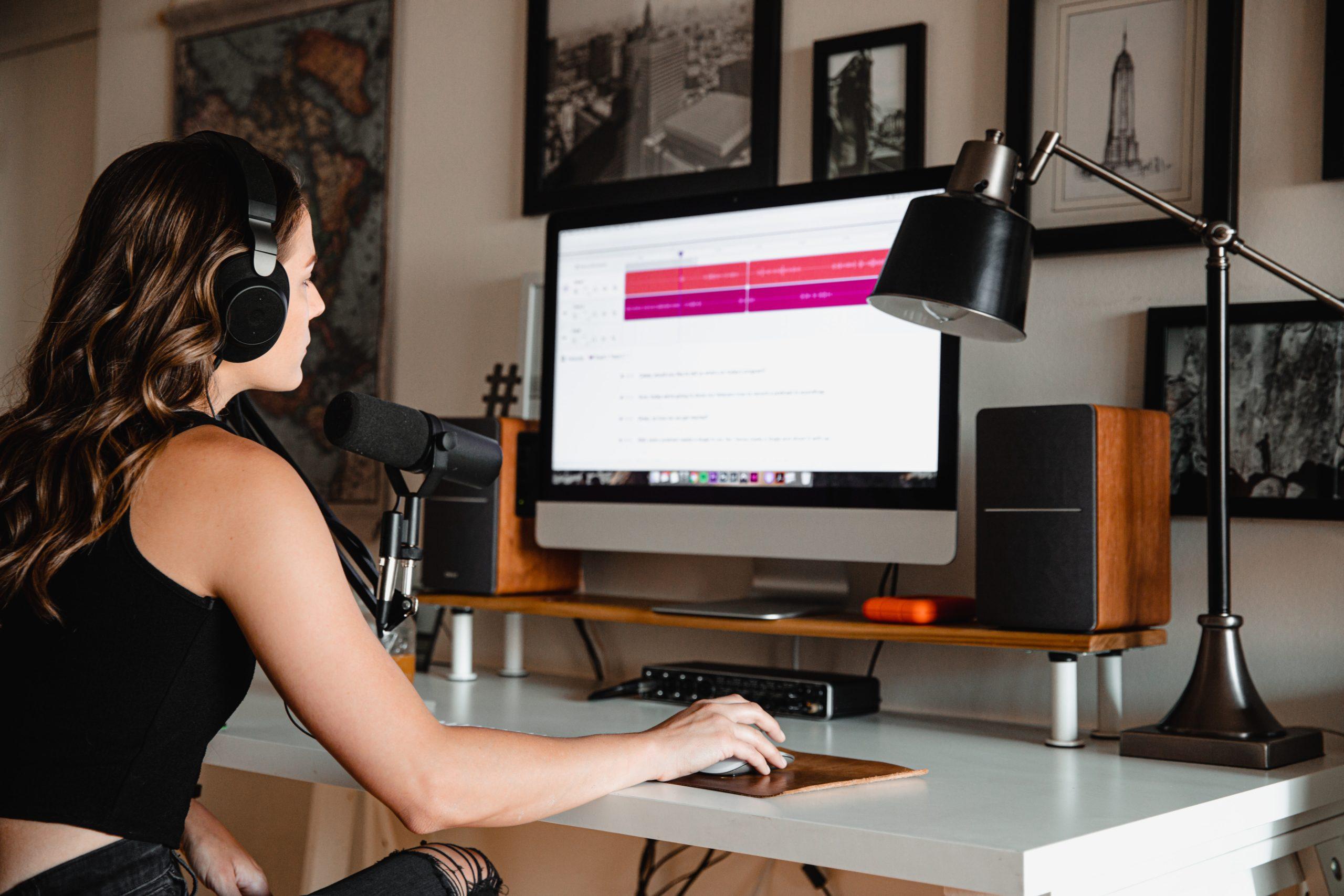 womans-home-studio-setup-scaled.jpg
